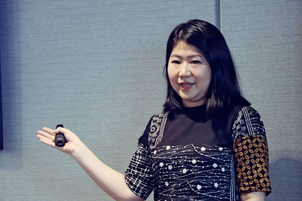 Gitta Wijaya, JD.ID Seller Acquisition, delivers key trends at Janio and Fast Fuyooh's KL event
