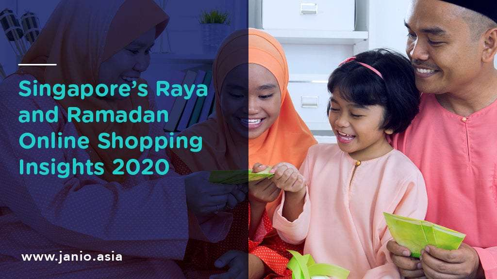 Image of Muslim family giving and receiving duit raya